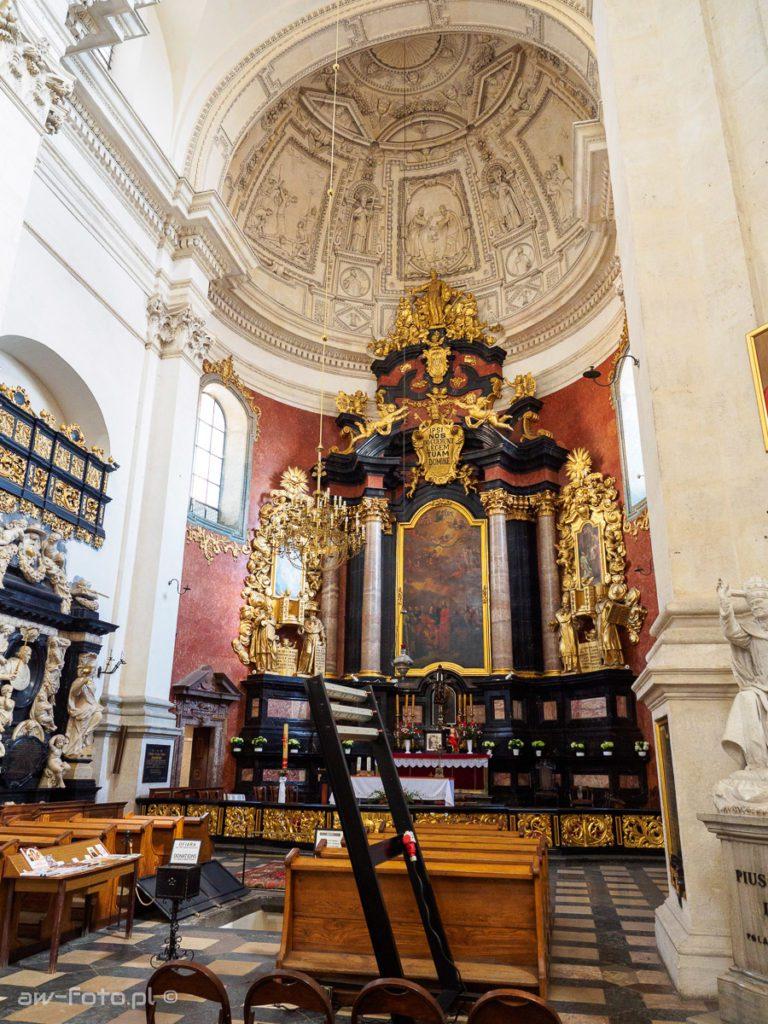 Ołtarz główny - Kościół św. Apostołów Piotra i Pawła w Krakowie