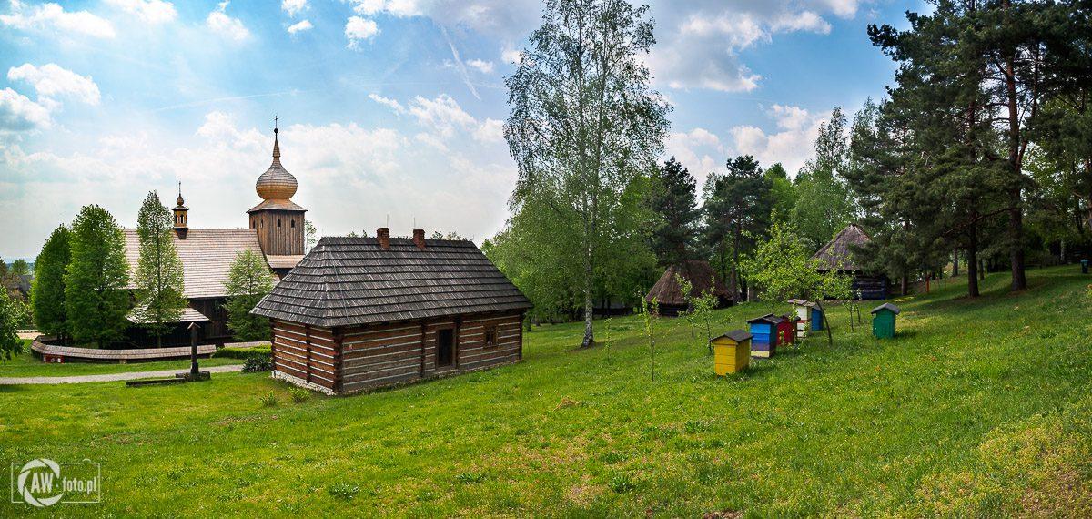 Nadwiślański Park Etnograficzny - Kościół z Ryczowa i plebania z Bęczyna
