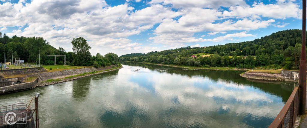 Widok na Dunajec z zapory w Czchowie