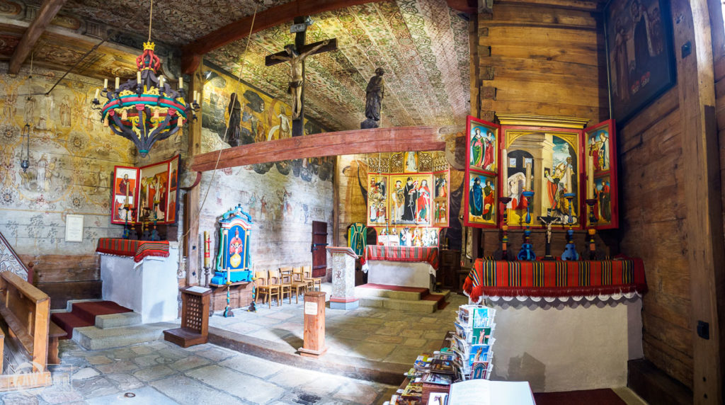 Kościół św. Leonarda w Lipnicy Murowanej - wnętrze z tryptykami