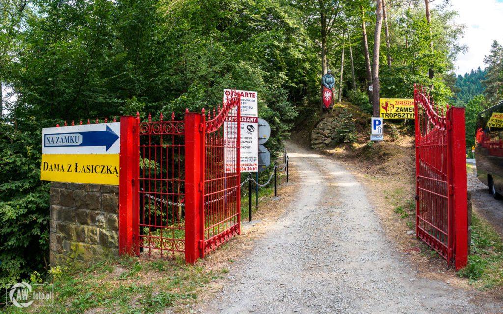 Zamek Tropsztyn - wejście główne