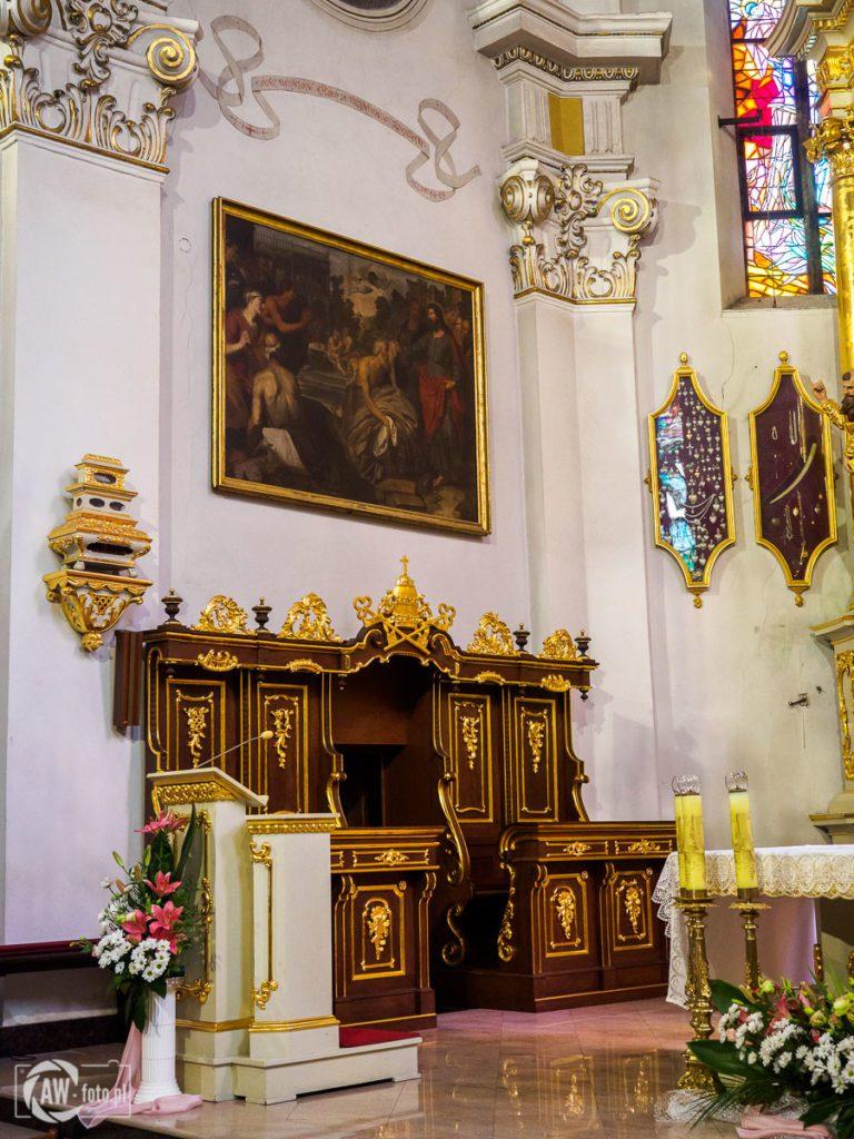 Bazylika św. Mikołaja w Bochni - ambonka w prezbiterium