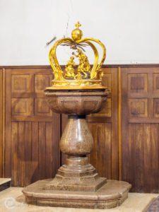 Bazylika św. Mikołaja w Bochni - chrzcielnica