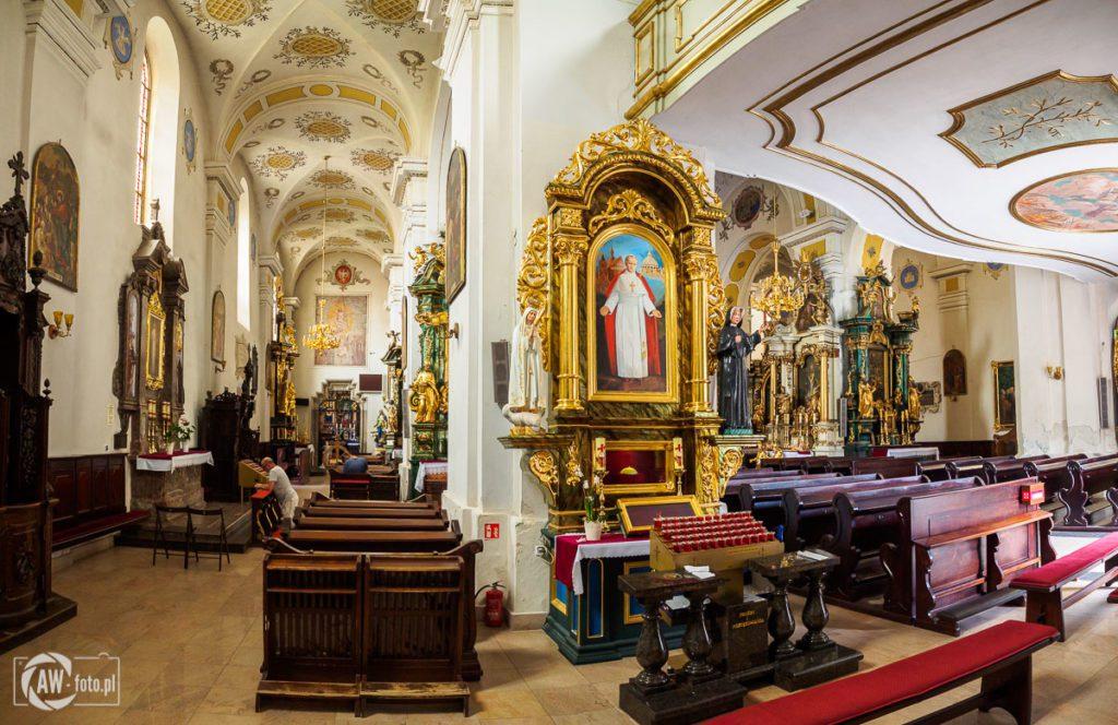 Bazylika św. Mikołaja w Bochni - ołtarz św. Jana Pawła II w nawie północnej