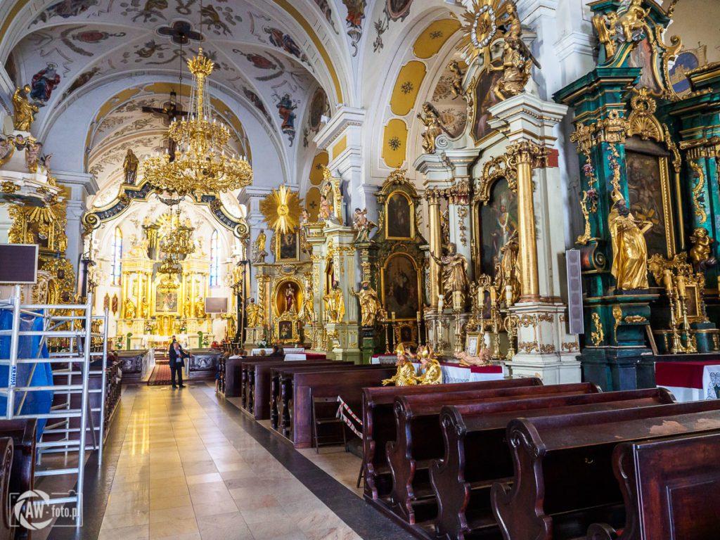 Bazylika św. Mikołaja w Bochni - ołtarze w nawie głównej