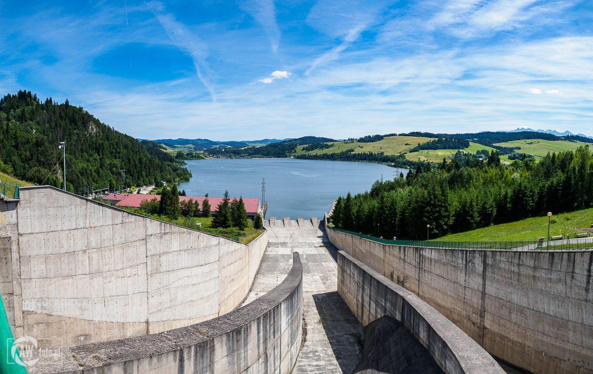 Zapora wodna w Niedzicy - widok na Sromowce