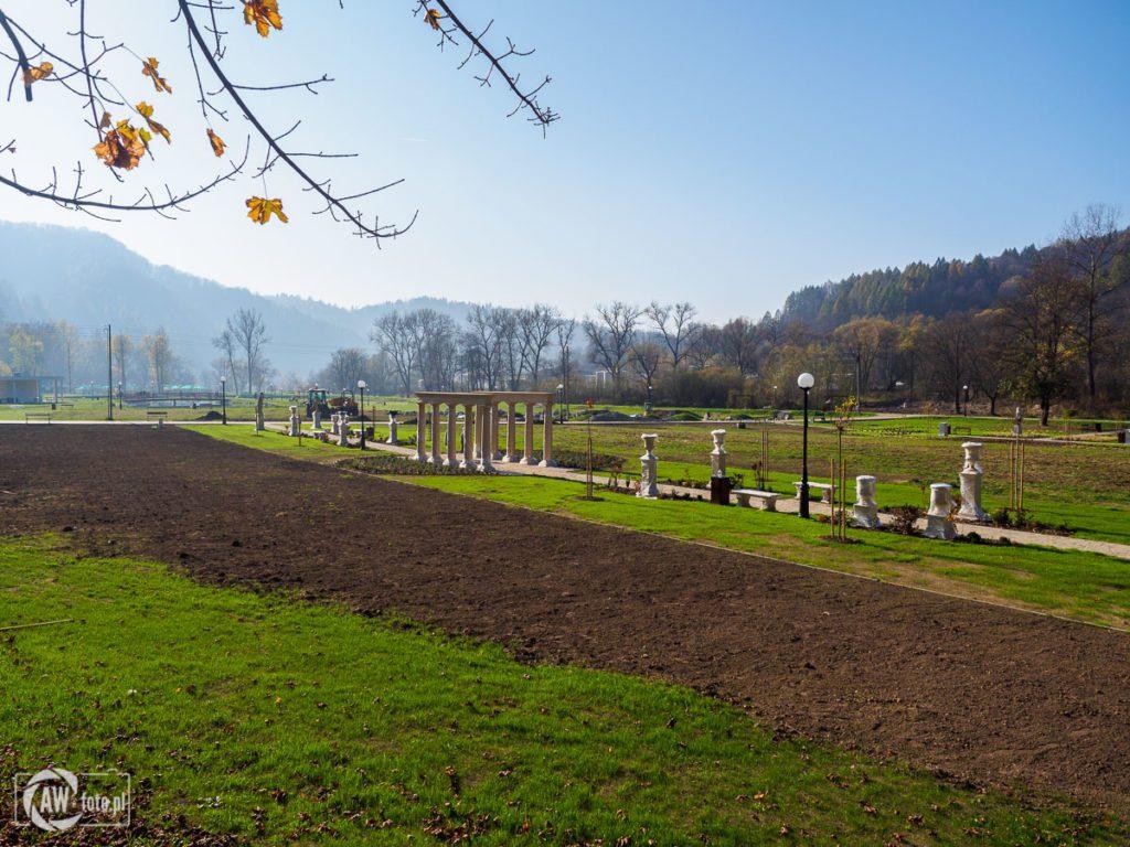 Park zdrojowy Zapopradzie w Muszynie -ogrody antyczne