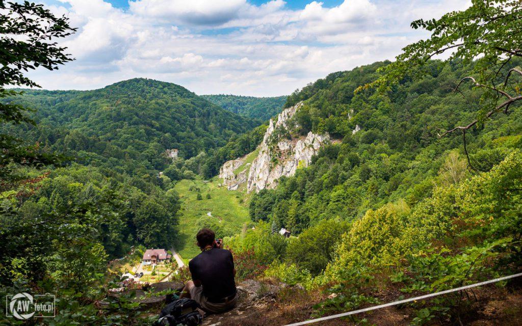 Panorama na Ojcowski Park Narodowy ze szlaku widokowego