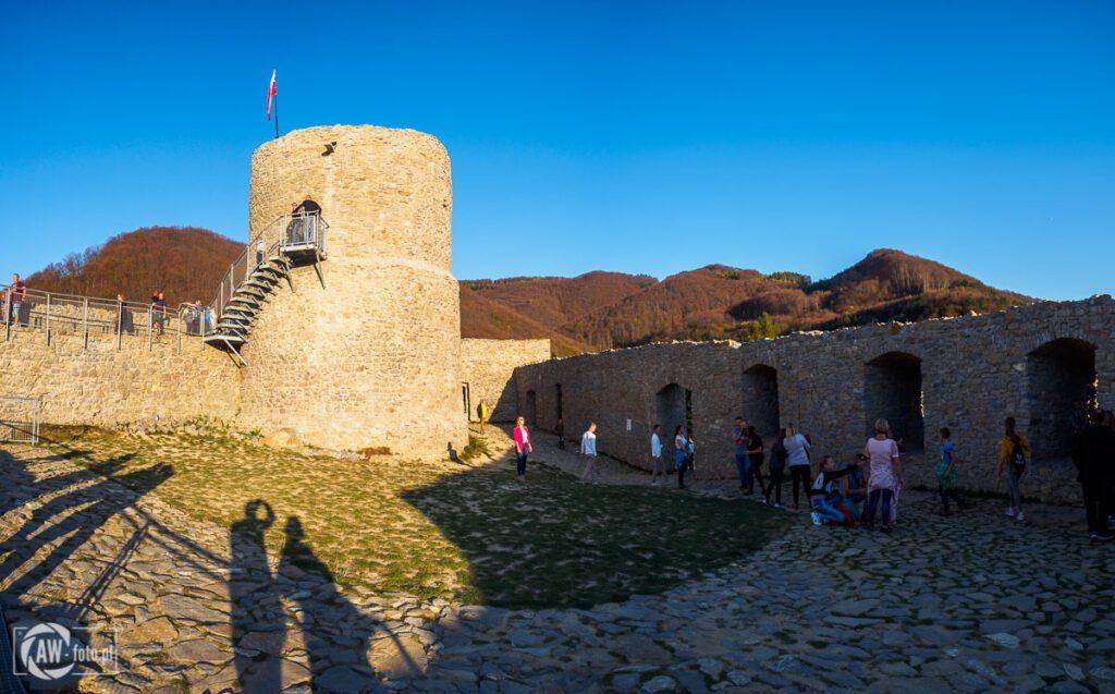Zamek w Rytrze - widok z dziedzińca