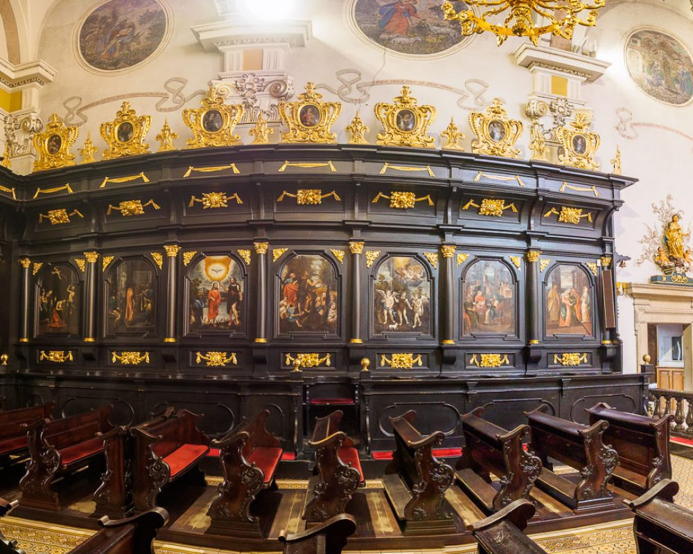 Bazylika św. Mikołaja w Bochni - stalle ze św. Janem Chrzcicielem