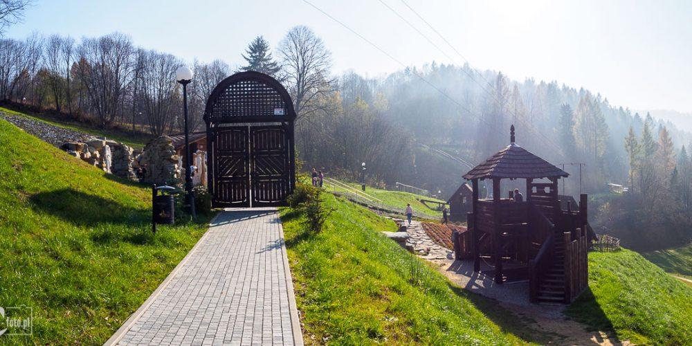 Ogrody sensoryczne w Muszynie - ogród baśni i legend