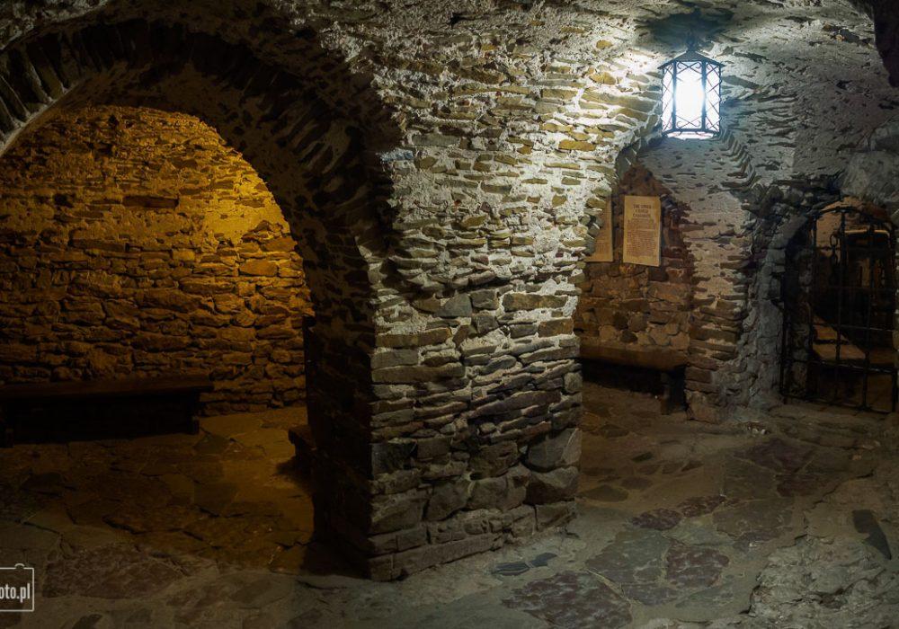 Zamek w Niedzicy - pomieszczenia więzienne na zamku średnim